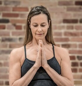 11h-Yoga-Iyengar-avec-Marie-Claude-Gervais