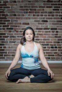 17h45-Yoga-energie-avec-Champa-Cyr